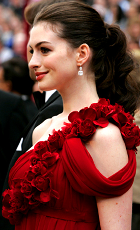 anne hathaway eyes. anne hathaway red hair. anne